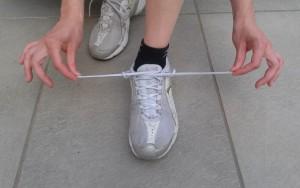 com lligar-se les bambes o botes de muntanya